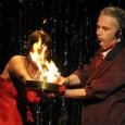 Al Teatro del Chiodo di Bellinzona la prima replica del 2012 di un insolito e divertente mix di magia e di teatro.