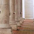 """Dal 16 al 18 novembre, nel cortile maggiore di Palazzo Ducale a Genova, per L'altra metà del libro si terrà """"Libri incatenati"""" di Liberodiscrivere. All'interno dell'articolo, la lista dei libri che verranno """"incatenati""""."""