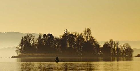 """L'Isolino Virginia, posto sul Lago di Varese– che dal 2011 è protetto dall'UNESCO quale patrimonio mondiale dell'umanità,come parte integrante dei """"Siti palafitticoli preistorici dell'arco alpino"""" – è di nuovo aperto al pubblico dal 15 agosto […]"""