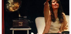"""Il 17 febbraio alle ore 21.00, all'interno della stagione teatrale del Comune di Besozzo, la compagnia Fiori Blu Elettrico porterà in scena al teatro Duse (Via Duse 12 – Besozzo) lo spettacolo """"Lo zoo di […]"""