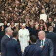 """Grandissima emozione giovedì mattina (31 ottobre) a Roma, per l'incontro di Papa Francesco in Aula Paolo VI con la Fondazione don Gnocchi, a 10 anni dalla Beatificazione del suo fondatore, don Carlo. Il """"Papa abbraccia […]"""